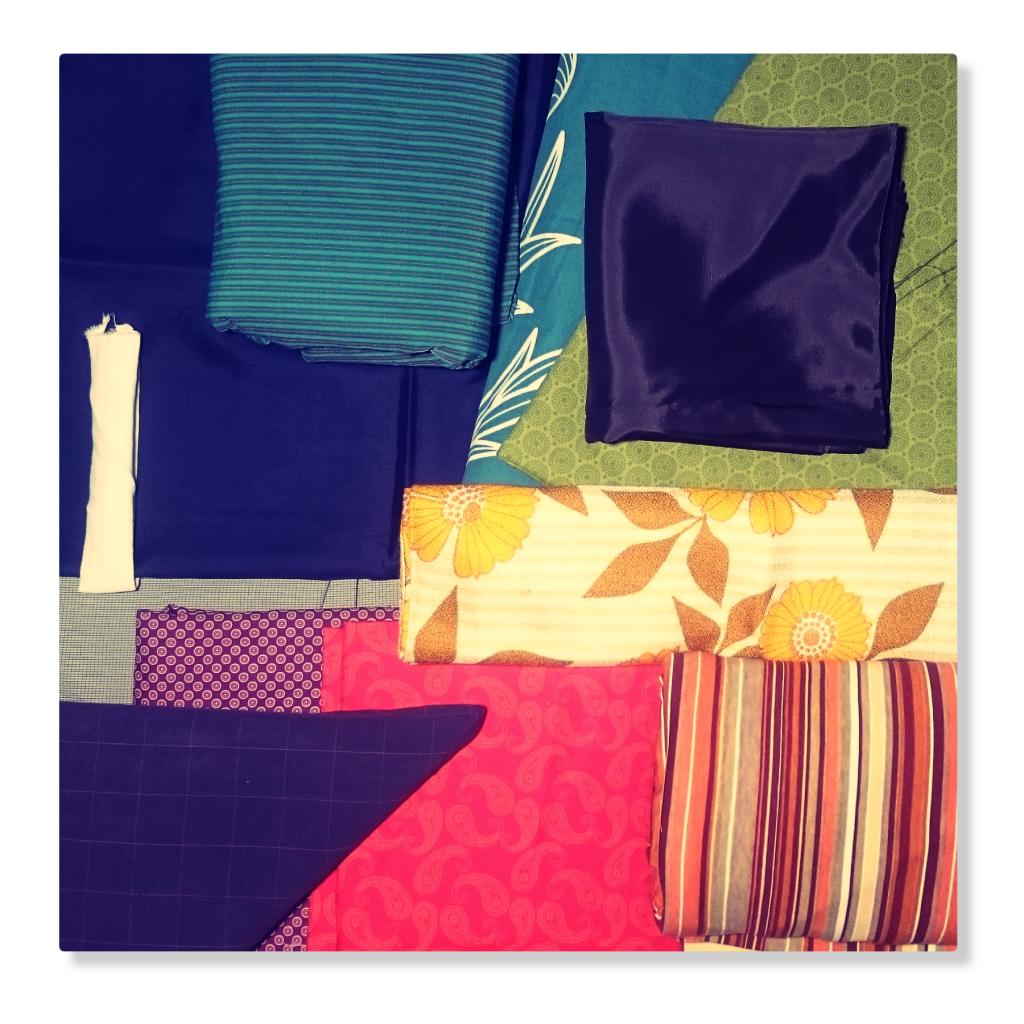 Faserstoff, Gewebe, Stoff, Synthetics, Textil, Trikotage, Tuch Wäsche, Webwaren, Wirkwaren, Weißwaren undundundoderoderoder. Alles da! In rauen Mengen! In vielen Farben, Mustern und Designs.